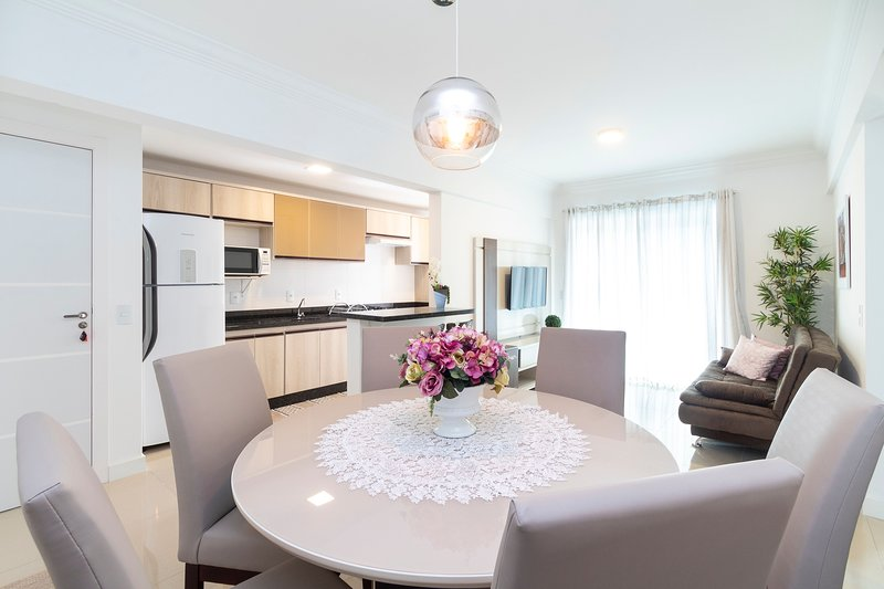 Aluguel Apartamento 2 quartos s/ 1 suíte Piscina | Bombas/SC, alquiler vacacional en Porto Belo