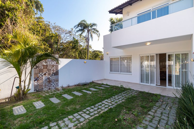 Aluguel Casa 3 quartos p/ 12 pessoas | Bombas/SC, holiday rental in Bombinhas