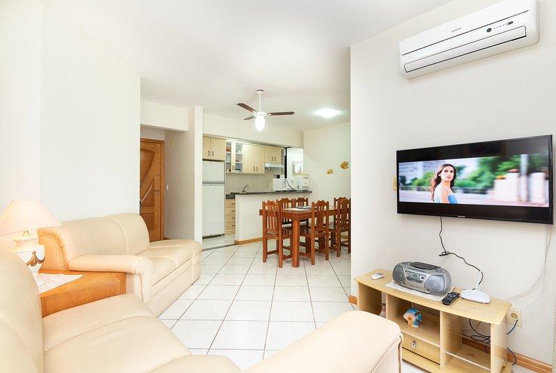Aluguel Apartamento 3 quartos s/ 1 suíte 100m Mar| Bombas/SC, holiday rental in Bombinhas