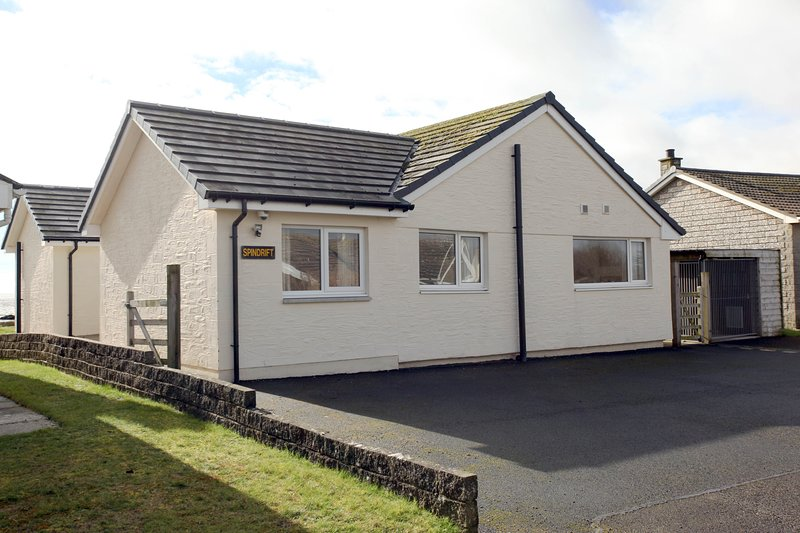 fantastic 3 bedroom beachfront cottages with uninterrupted views of the Solway Firth peaceful area .