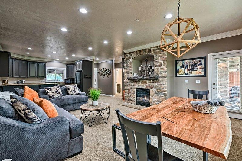 Book this tasteful vacation rental condo in Huntsville, Utah.