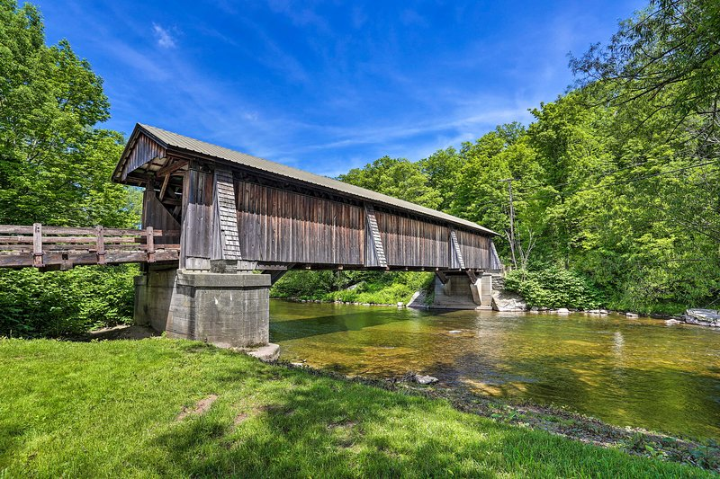 The 4-bedroom, 2-bathroom Livingston Manor getaway is close to covered bridges.