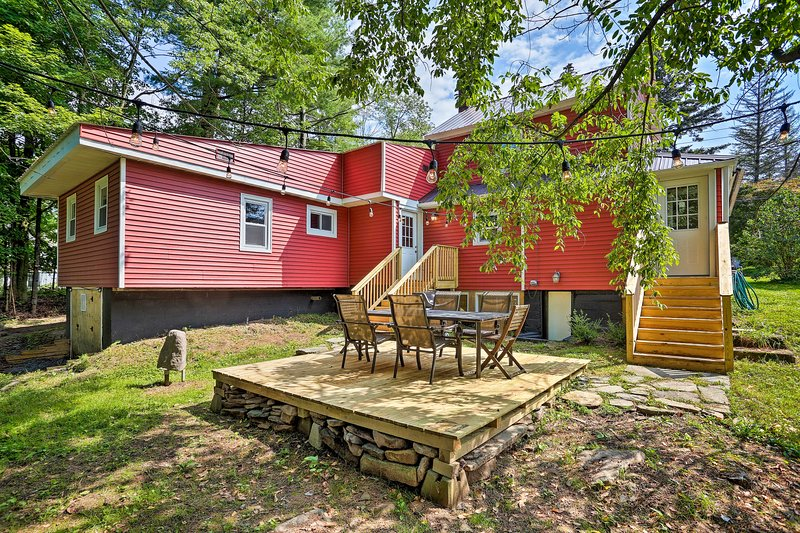 Find peaceful relaxation at this centrally located Catskill vacation rental!