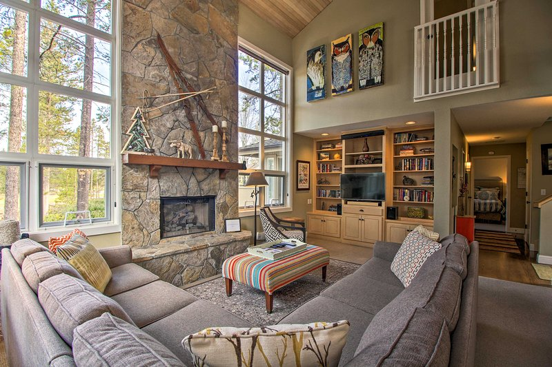 Your next trip to Sunriver starts with this beautiful vacation rental home!
