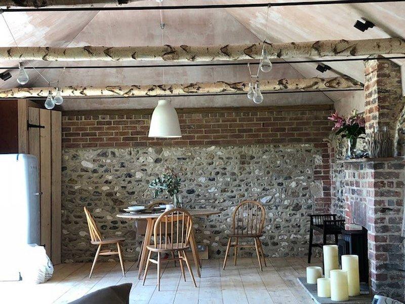 Rural Chic Barn Conversion, location de vacances à Bosham