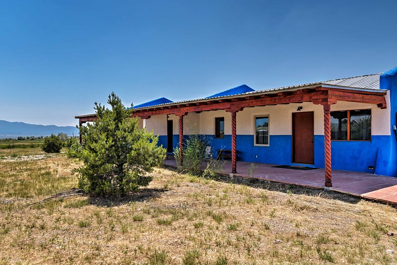 This 2 bedroom, 1 bathroom vacation rental welcomes up to 6 guests in Taos!