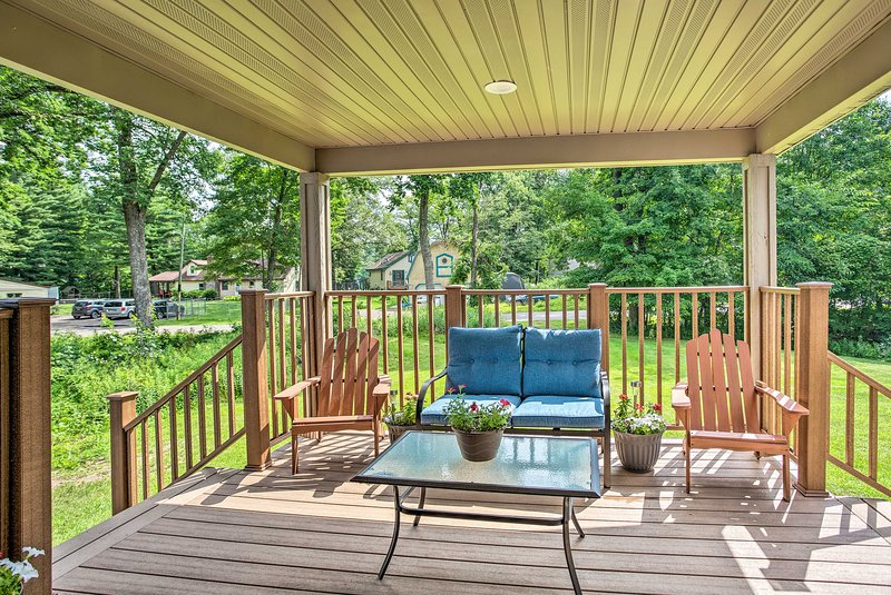 Cabin w/ Dock & Porch Across from Balsam Lake, vacation rental in Luck