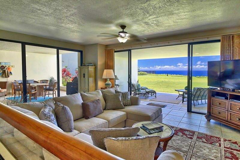 Enjoy your own slice of Princeville paradise at this recently remodeled condo!
