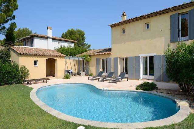 Amazing villa with swimming-pool – semesterbostad i Porquerolles Island