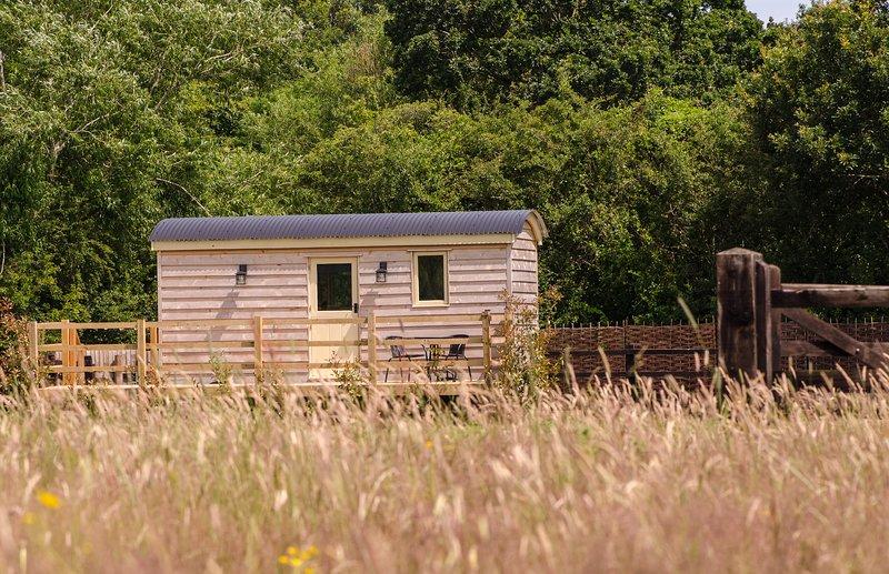 Hillside View Shepherds Hut, holiday rental in Malvern Hills