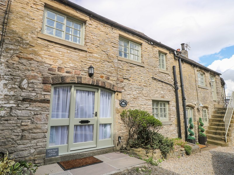 White Swan Cottage, Middleham, holiday rental in Middleham