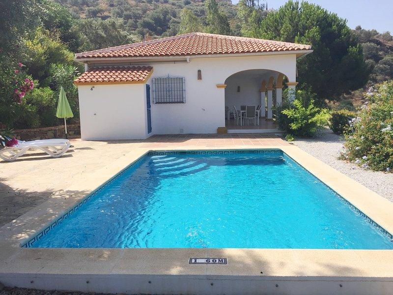 Villa La Frasca con piscina privada, Sayalonga, vacation rental in Competa