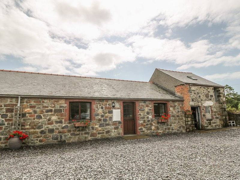 Y BETWS, superb barn conversion, single-storey, pet-friendly, Abersoch, Ref, location de vacances à Cilan Uchaf