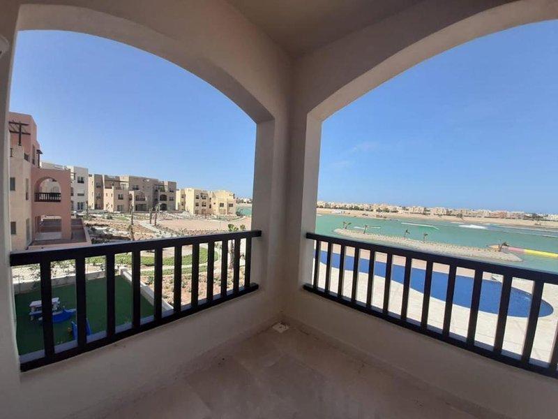 Luxury three bedroom apartment., holiday rental in El Gouna