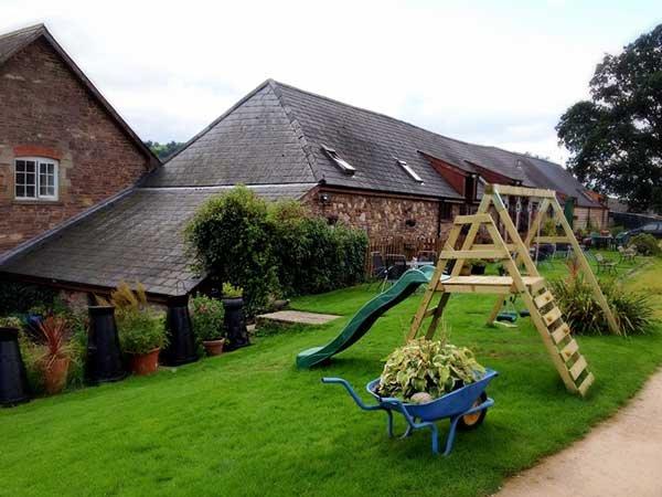 Pen-y-dre Farm Pentybwch Cottage, location de vacances à Abergavenny