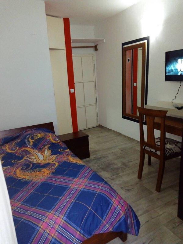 Abidjan Studio équipé Bietry Zone 4, Rue du Canal, casa vacanza a Grand Bassam