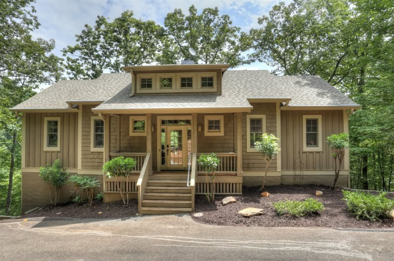 Lake Escape Rental Home in Big Canoe Resort, holiday rental in Marble Hill