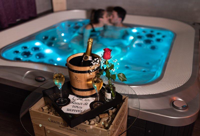 Wine Spa: Cabane de luxe pour escapade romantique, location de vacances à Saint-Leonard-de-Noblat