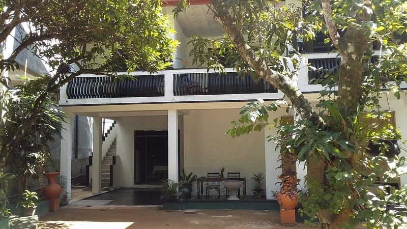 SanjeeHome & Lanka Ayurveda - 205, holiday rental in Induruwa