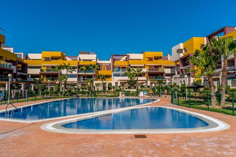 2 bed apartment in the beautiful complex El Bosque, Playa Flamenca, alquiler vacacional en Playa Flamenca