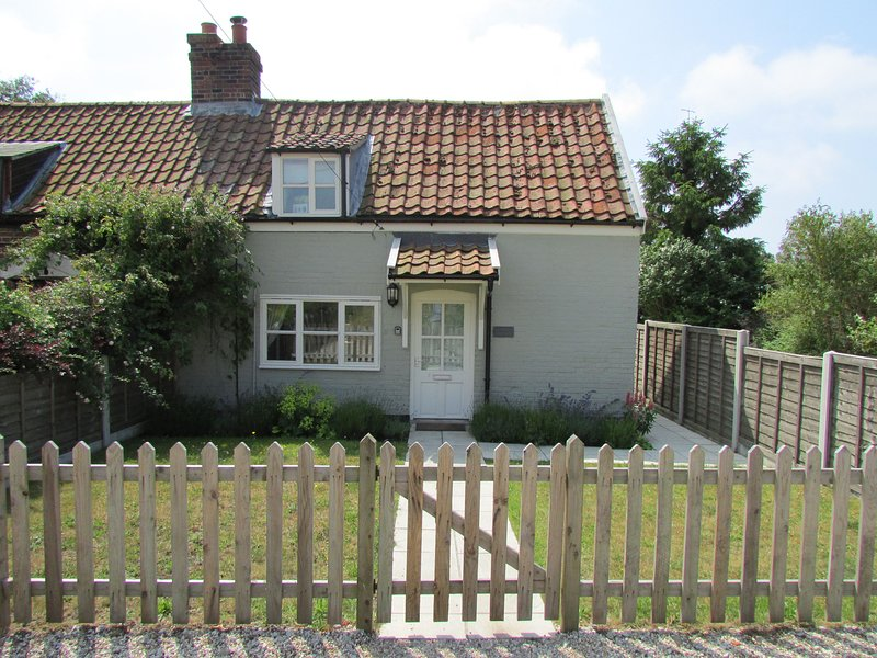 Thimble Cottage, casa vacanza a Knodishall