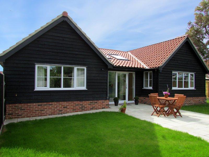 2 Suffolk Cottage, casa vacanza a Knodishall