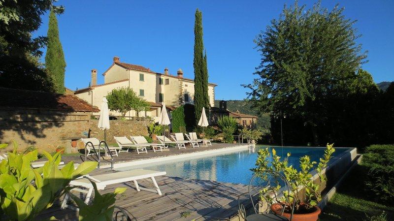 NEW!!! Fenice, Tuscan Villa, Private pool, stunning scenery, WIFI, chef option, holiday rental in La Strada-Santa Cristina