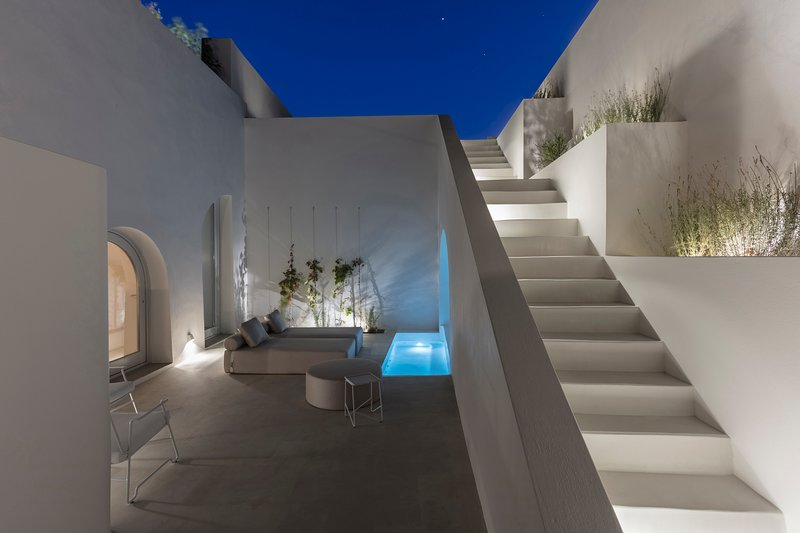 Villa Yard, heated private plunge pool, hot tub 2 BR/amazing caldera view, holiday rental in Karterádhos