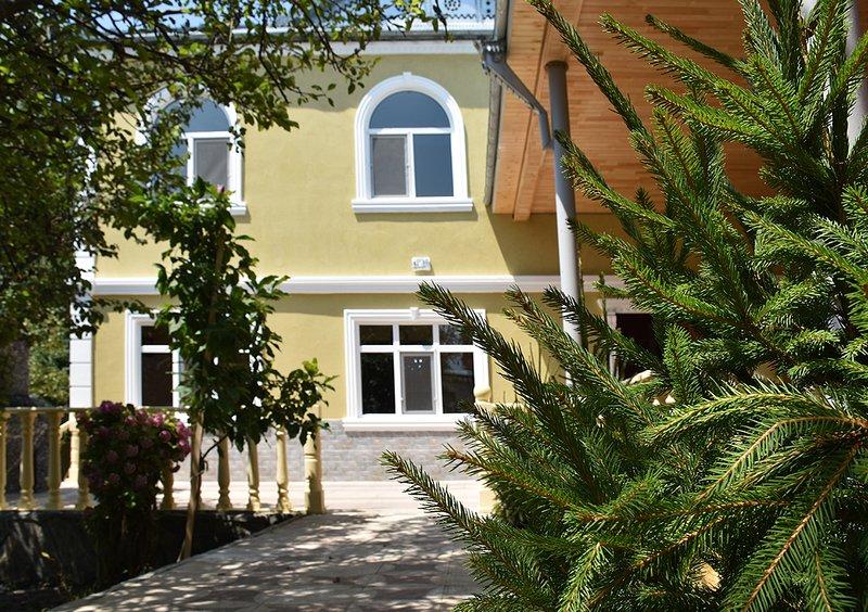 Villa Gabala Palace Villa - 28 Beds - 30 Sleeps, holiday rental in Qabala