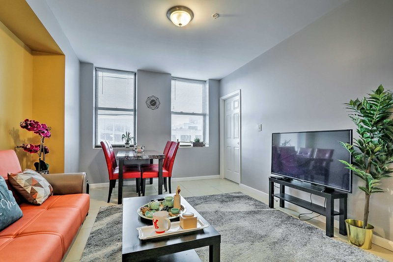 Chinatown Condo Next to Convention Center!, holiday rental in Camden
