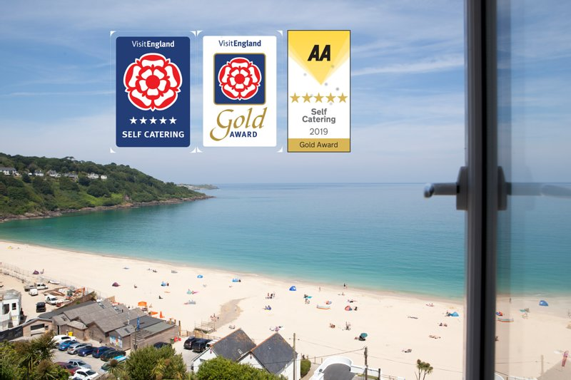 Luxury penthouse 5* Gold , Ocean front, 10 day holidays from £1,080, vacation rental in Carbis Bay