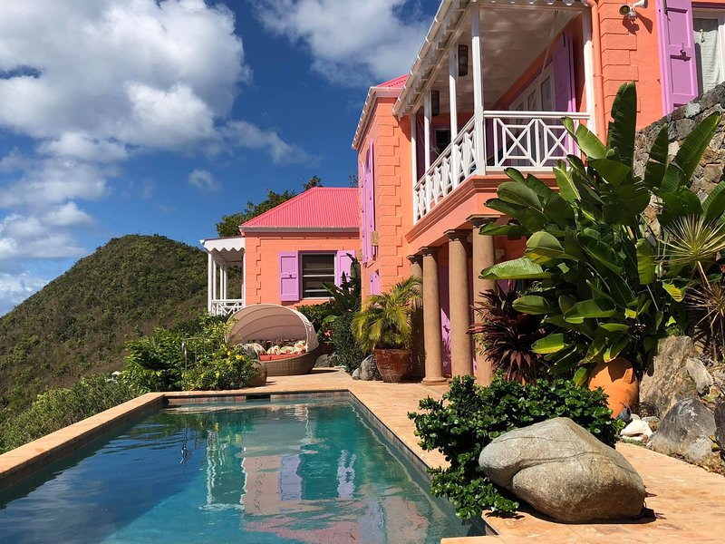 Limin'House Luxury 4 Bedroom Caribbean Villa Fully updated and renovated!, holiday rental in Tortola