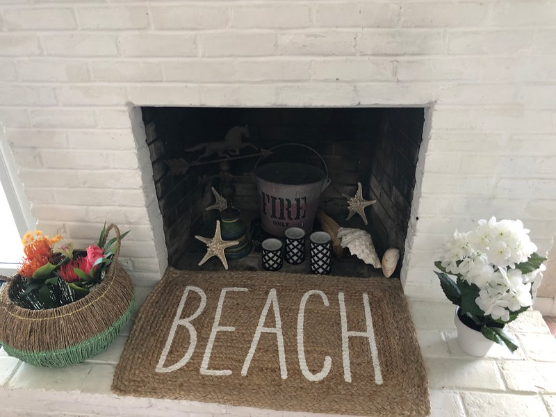 BEACH - fireplace in its summer style