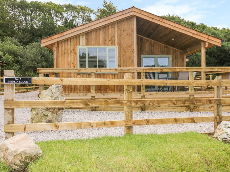 2 Merlin Lodge, St Columb Major, holiday rental in Winnard's Perch