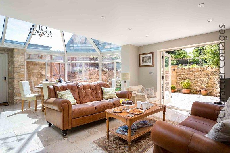 The stylish open plan living/garden room