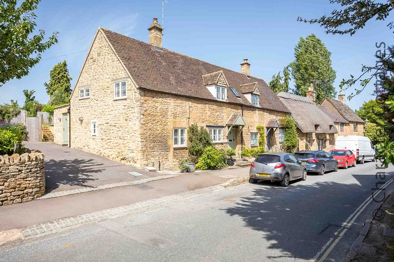 Welcome to East Leaze, a beautiful cottage in the heart of Chipping Campden