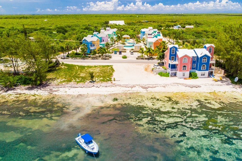 Tranquil Caribbean Beach Home, holiday rental in East End