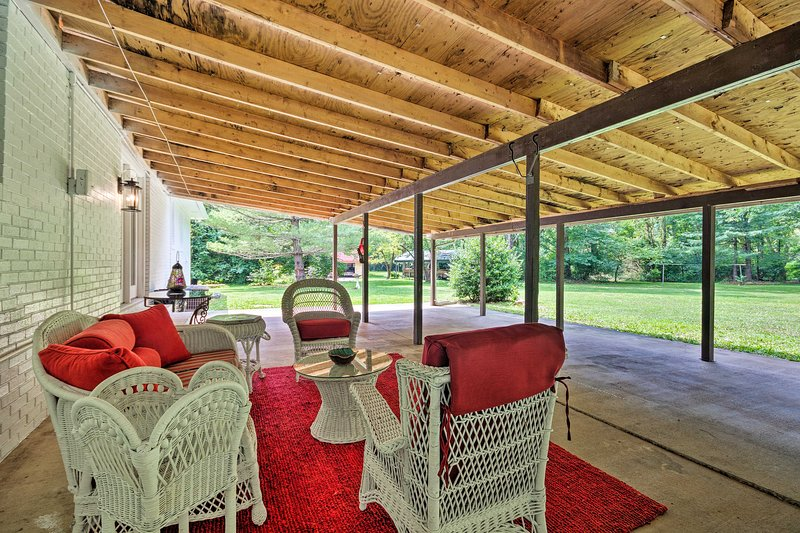 Renovated Home on Watauga River, By Boat Ramp, holiday rental in Elizabethton