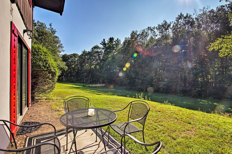 When you're not at the golf course, enjoy peace and quiet in the yard.