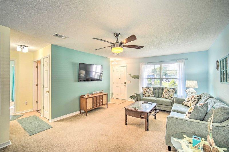 Pensacola Retreat w/ Pool, 9 Mi to Beaches & Dwtn!, holiday rental in Lillian