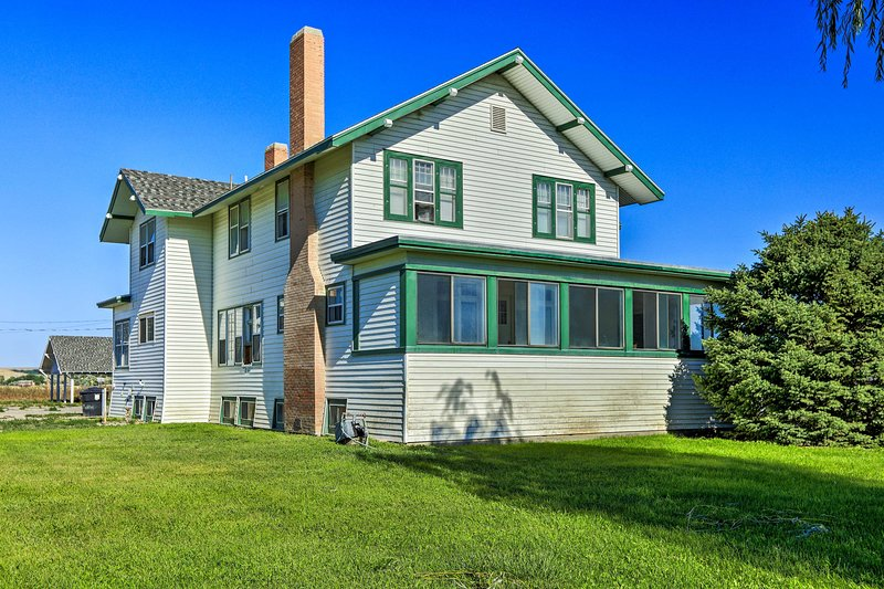 Lovell Home Drive to Bighorn Mtn, Yellowstone, holiday rental in Powell