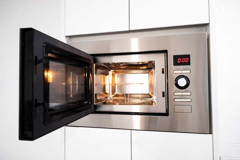 Superbe appartement Neuf Moderne Proche de la mer WIFI Climatisation TV Piscine, aluguéis de temporada em Romero