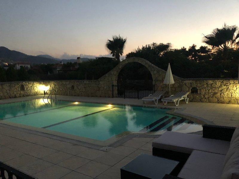 Nutshell Villa is located in a quite cul-de-sac in Karsiyaka close to Kyrenia, holiday rental in Kormakitis