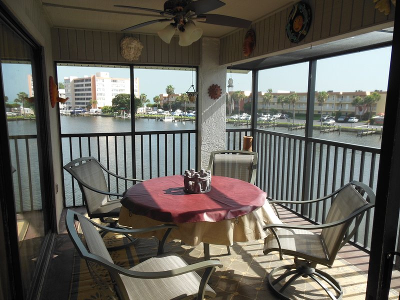 Private Siesta Key Condo On Water, holiday rental in Sarasota