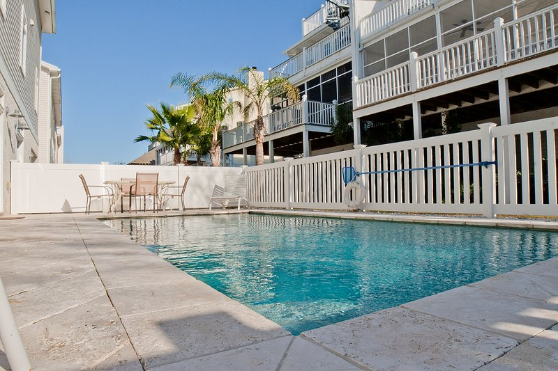 Officers View Ocean View Home *No Hidden Fees*, holiday rental in Tybee Island