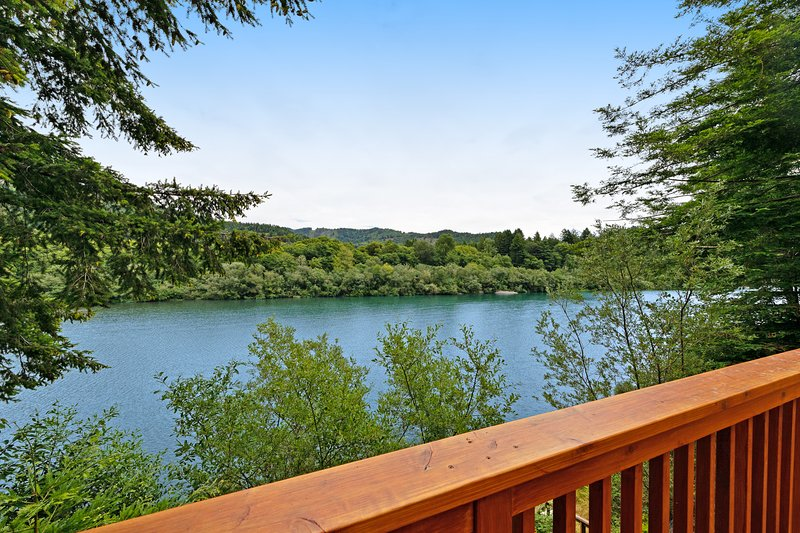 New listing! Dog-friendly, riverfront home w/ deck, fireplace, & river access, holiday rental in Fort Dick