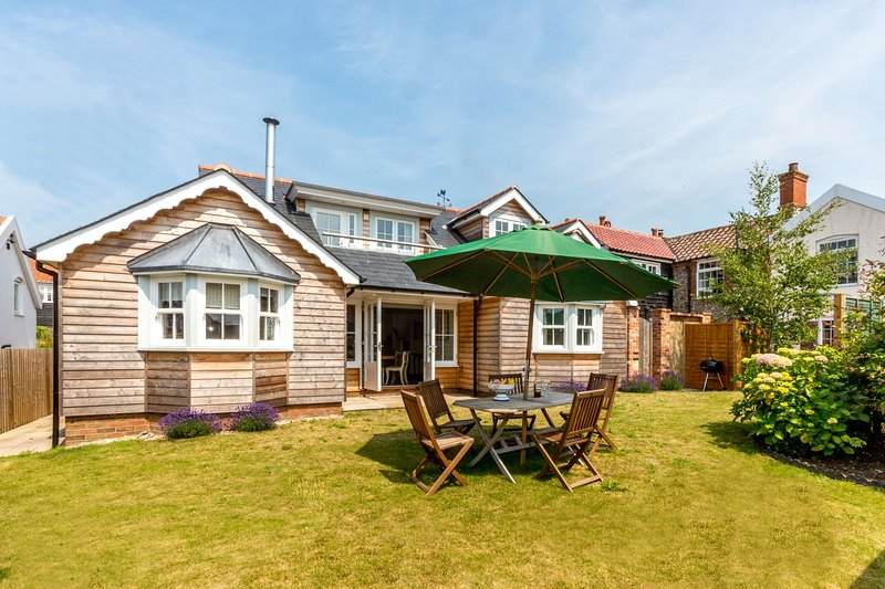 The Pink House, Thorpeness, holiday rental in Thorpeness