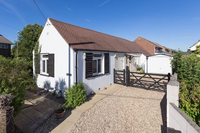 NEW - Milford-On-Sea village centre, holiday rental in Milford on Sea