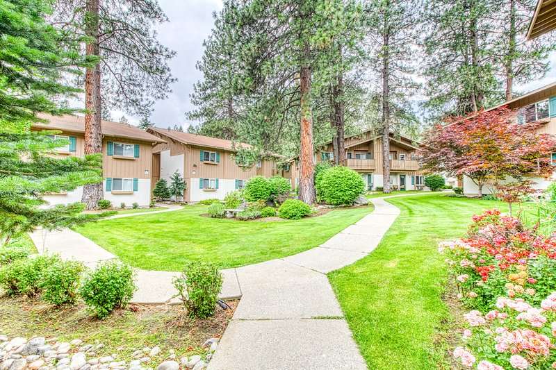 New listing! Bright, ground-floor condo w/ patio, close to hiking/downtown!, vacation rental in Leavenworth