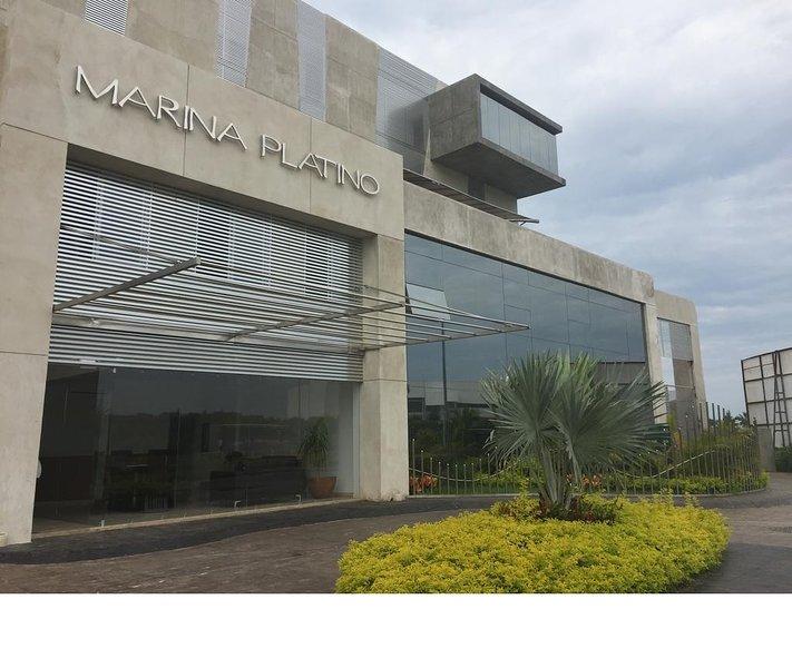 Facade of the modern MARINA PLATINO building